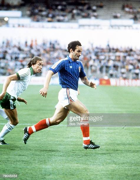 World Cup Finals Zaragoza Spain 17th June Yugoslavia 0 v NIreland 0 Yugoslavia's Edhem Slijio
