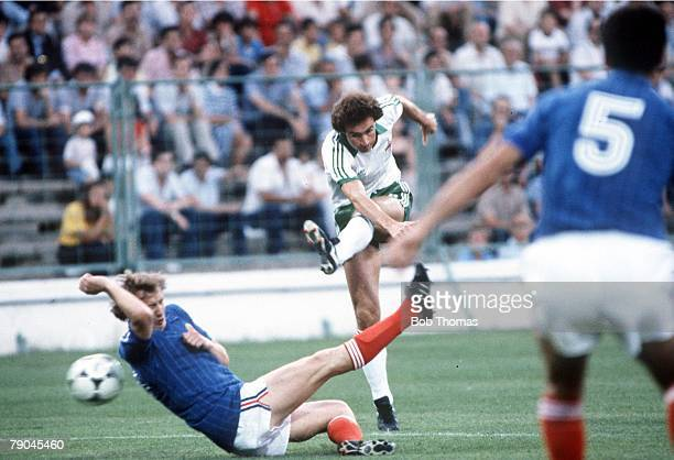 World Cup Finals Zaragoza Spain 17th June Yugoslavia 0 v NIreland 0 Northern Ireland's Martin O'Neill shoots past Yugoslavia's Velimir Zajec