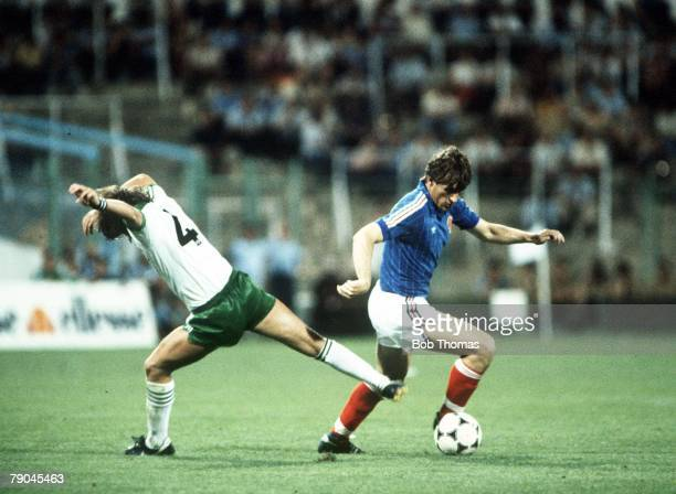 World Cup Finals Zaragoza Spain 17th June Yugoslavia 0 v NIreland 0Yugoslavia's Safet Susic races past Northern Ireland's David McCreery