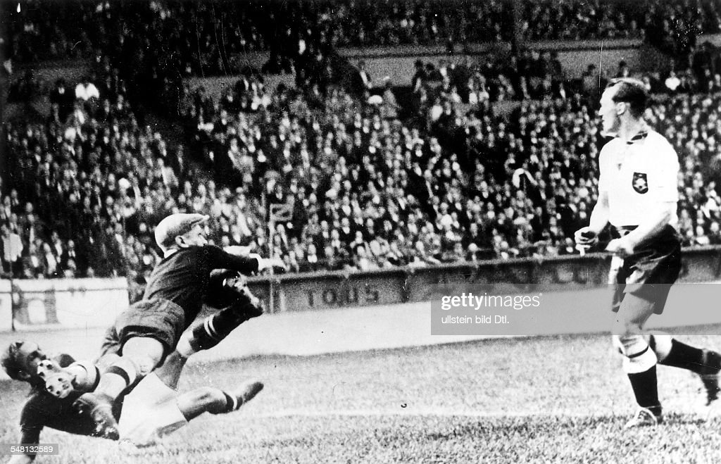 1938 Fifa World Cup In France Round Of 16 In Paris Germany 1 1