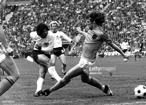 1974 FIFA World Cup in Germany Final in Munich Germany 2 1 Netherlands Germany player Gerd Mueller scoring the matchwinning 2 1| right Arie Haan
