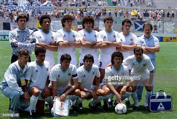 1986 FIFA World Cup in Mexico Lineup of the Uruguay squad before a first round match against Scotland