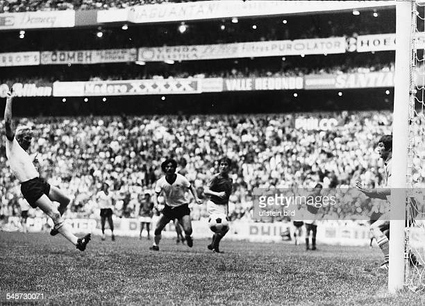 World Cup in Mexico Semi-final in Mexico City: Germany 3 - 4 Italy - Karl-Heinz Schnellinger scoring the 2- 2 equalizer -