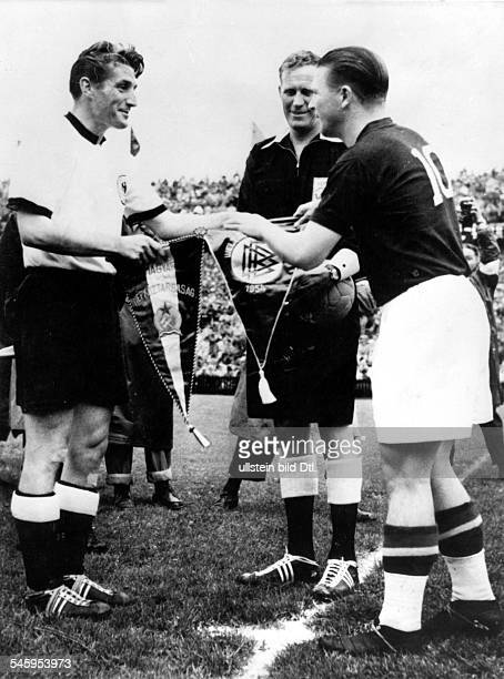 1954 FIFA World Cup in Switzerland Final before 65000 spectators in Bern's Wankdorf Stadium Germany 3 2 Hungary Exchange of pennants by the two...