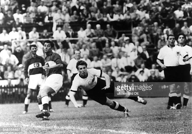 1954 FIFA World Cup in Switzerland First round Group 2 in the Wankdorf Stadium in Bern Germany 4 1 Turkey Hans Schaefer at a diving header| right Max...
