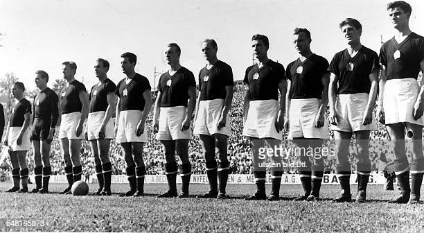 1954 FIFA World Cup in Switzerland Lineup of later runnersup Hungary before a World Cup match| far left captain Ferenc Puskas 1954