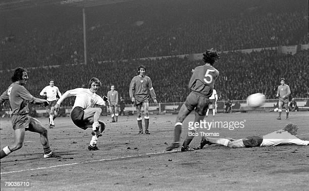 World Cup Qualifier Wembley Stadium 17th October England 1 v Poland 1 England striker Allan Clarke shoots just wide of goal surrounded by Polish...