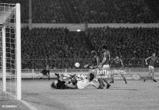World Cup Qualifying match at Wembley Stadium England defeated Hungary by 1 goal to 0 to qualify for the 1982 tournament in Spain England's Paul...
