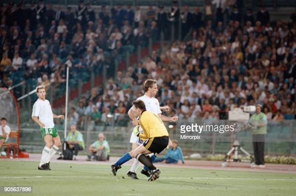 World Cup Quarter Final at the Stadio Olimpico in Rome Italy Republic of Ireland 0 v Italy 1 irish goalkeeper Pat Bonner claims the ball in the...
