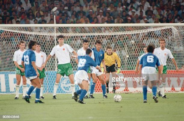 World Cup Quarter Final at the Stadio Olimpico in Rome Italy Republic of Ireland 0 v Italy 1 Free kick for Italy taken by Salvatore Schillaci as...