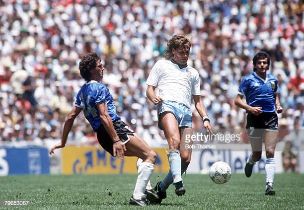 World Cup Quarter Final Azteca Stadium Mexico 22nd June Argentina 2 v England 1 England's Glenn Hoddle beats Argentina's Ricardo Giusti to the ball