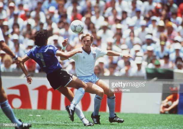 World Cup Quarter Final Azteca Stadium Mexico 22nd June Argentina 2 v England 1 England's Gary Stevens battles for the ball with Argentina's Jorge...