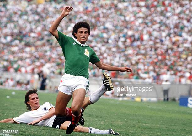 World Cup Quarter Final Monterrey Mexico 21st June West Germany 0 v Mexico 0 Mexico's Abuelo Cruz is challenged by West Germany's Lothar Matthaeus on...