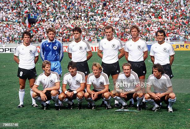 World Cup Quarter Final Monterrey Mexico 21st June West Germany 0 v Mexico 0 West Germany pose for a tam group before the match