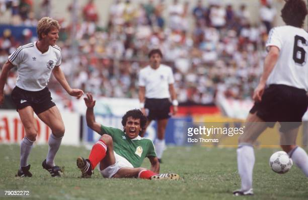 World Cup Quarter Final Monterrey Mexico 21st June West Germany 1 v Mexico 1 Mexico's Hugo Sanchez takes a tumble