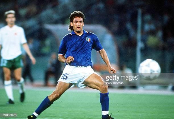 World Cup Quarter Final, Rome, Italy, 30th June Italy 1 v Republic Of Ireland 0, Italy's Roberto Baggio