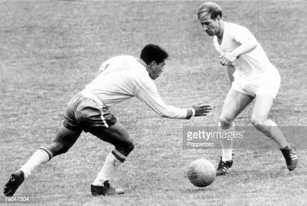 World Cup QuarterFinal Viva Del Mar Chile 10th June Brazil 3 v England 1 Brazil's Garrincha is faced by England's Bobby Charlton during the match