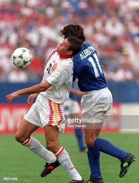 World Cup QuarterFinals Foxboro USA 9th July 1994 Italy 2 v Spain 1 Italy's Demetrio Albertini battles for the ball with Luis Enrique of Spain