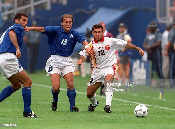 World Cup QuarterFinals Foxboro USA 9th July Italy 2 v Spain 1 Italy's Antoni Conte and Spain Sergei Barjuan battle for the ball