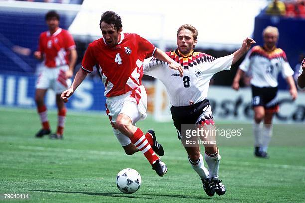 World Cup QuarterFinals New Jersey USA 10th July Bulgaria 2 v Germany 1 Bulgaria's Tzvetanov gets away from Germany's Thomas Hassler