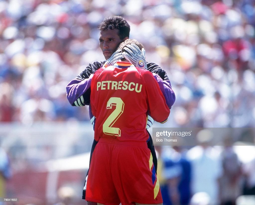 1994 World Cup Quarter-Finals, Stanford, USA. 10th JULY 1994. Sweden v Romania. (Sweden win on penalties) Romania goalkeeper Prunea consoles teammate Dan Petrescu after they were eliminated on penalties. : News Photo