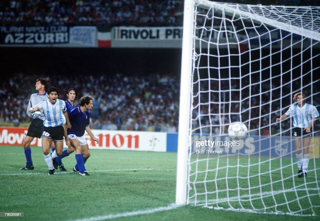 1990 World Cup Semi Final. Naples, Italy. 3rd July, 1990. Italy 1 v Argentina 1 (Argentina win 3-2 on penalties). Argentina's Claudio Caniggia scores the equalising goal to force extra time and penalties. : News Photo