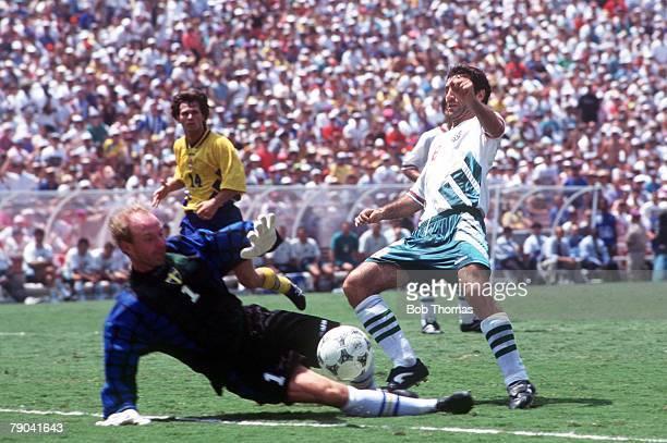 World Cup Third Place PlayOff Pasadena USA 16th July Sweden 4 v Bulgaria 0 Sweden's goalkeeper Thomas Ravelli saves from Bulgaria's Hristo Stoichkov