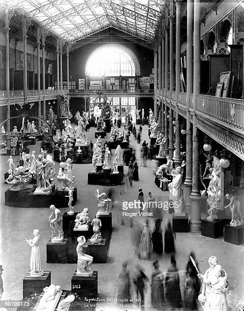 World Fair of 1889 in Paris Sculptures in the gallery of Fine art