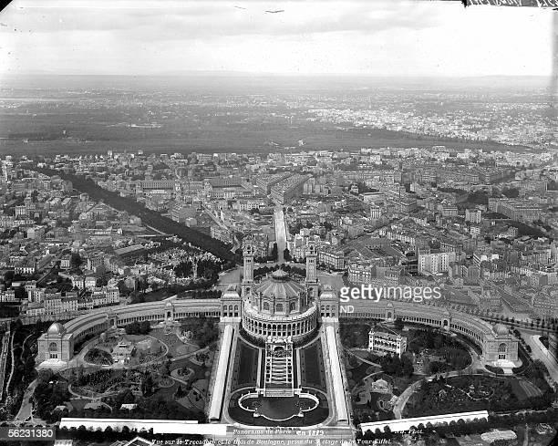 World fair of 1889 Paris Palais du Trocadero seen from the Eiffel tower's 3rd floor ND1762