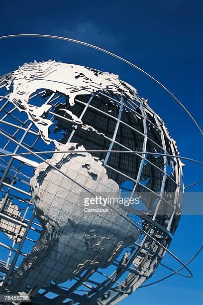 world globe in metal in queens, new york - ユニスフェア ストックフォトと画像