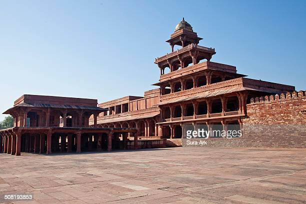 World Heritage Sites - Fatehpur Sikri Akbar , grandson of Babur, shifted his residence and court from Agra to Sikri, for a period of 13 years, from...