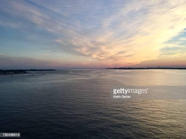 world oceans day - rockaway peninsula photos et images de collection