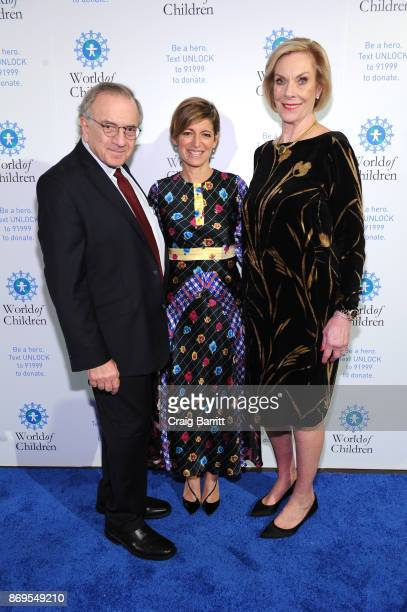 World of Children CoFounder Event CoChair Harry Leibowitz Board of Governors' Award Honoree President and CEO EditorinChief Glamour Cindi Leive and...