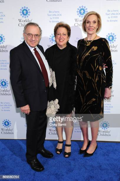 World of Children CoFounder Event CoChair Harry Leibowitz President of US Fund for UNICEF Caryl Stern World of Children CoFounder Event CoChair Kay...