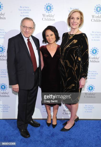World of Children CoFounder Event CoChair Harry Leibowitz World of Children Awards 2017 Master of Ceremonies Editor at Large Ballantine Bantam Dell...
