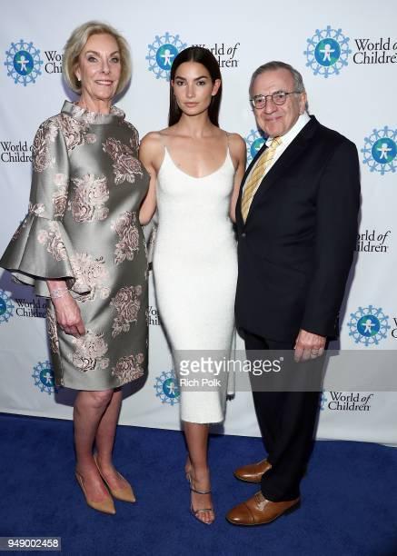 World of Children CoFounder Kay Isaacsonleibowitz Lily Aldridge Followill and World of Children CoFounder Harry Leibowitz attend the 2018 World of...