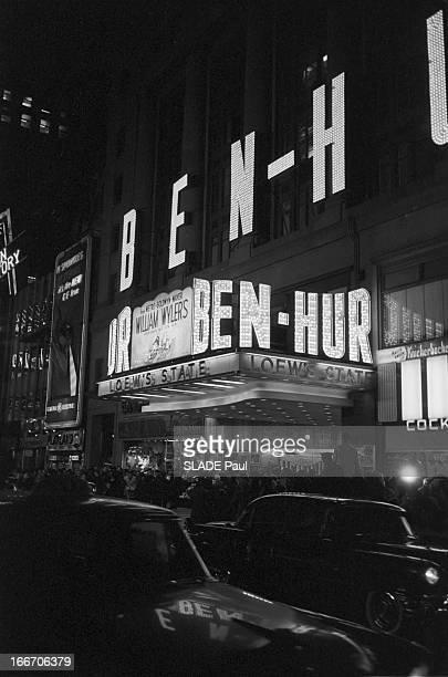 World Premiere Of Film 'BenHur' By William Wyler In New York Le 18 novembre 1959 aux Etats Unis sur Braodway avenue au Loew's State à l¿occasion de...