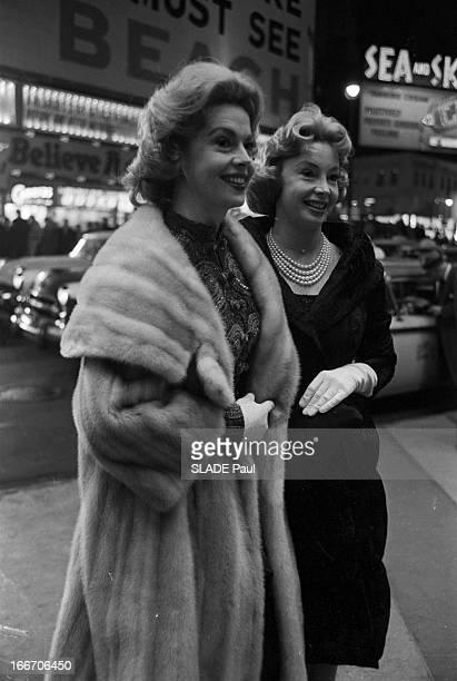 World Premiere Of Film 'BenHur' By William Wyler In New York Le 18 novembre 1959 aux Etats Unis sur Braodway avenue au Loew's State à l'occasion de...