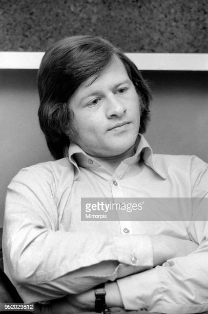World snooker champion Alex 'Hurricane' Higgins pictured in his manager's office 4th April 1973