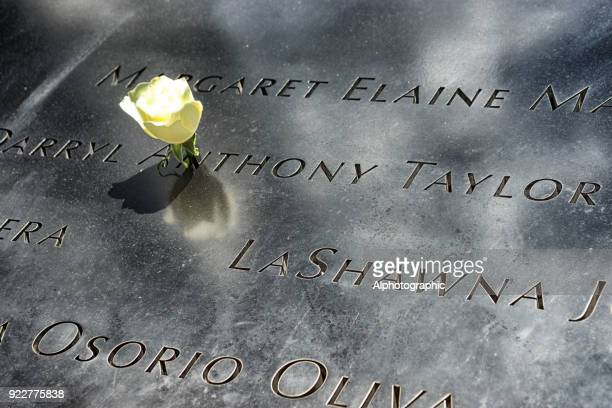 world trade centre memorial - distressed stock market people stock pictures, royalty-free photos & images