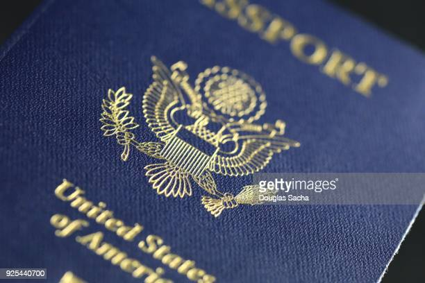 world travelers passport from us - passeport photos et images de collection