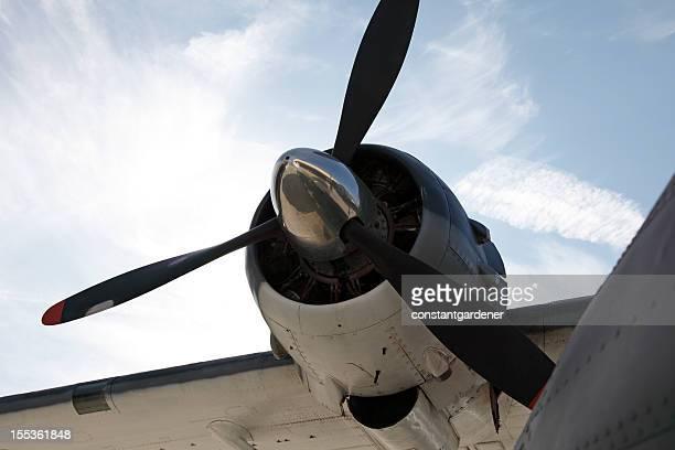 第 2 次世界大戦の航空機過去 - プロペラ ストックフォトと画像