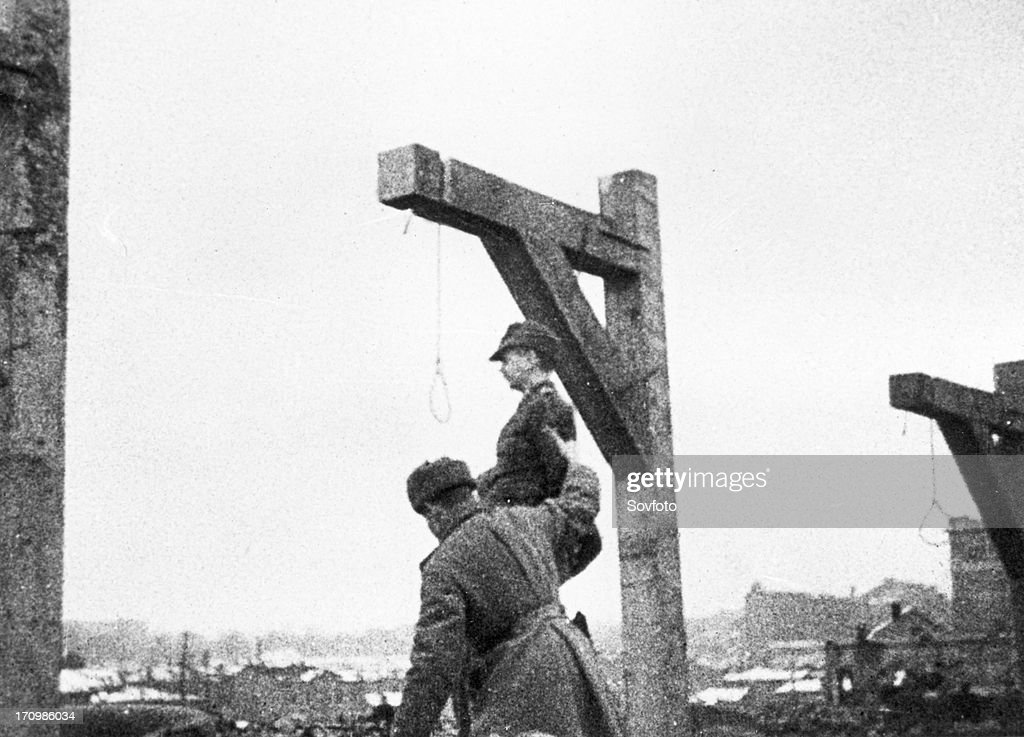 World war 2, december 19, 1943, still from a film on the kharkov trial produced by artkino, hans ritz being placed in the noose. : News Photo