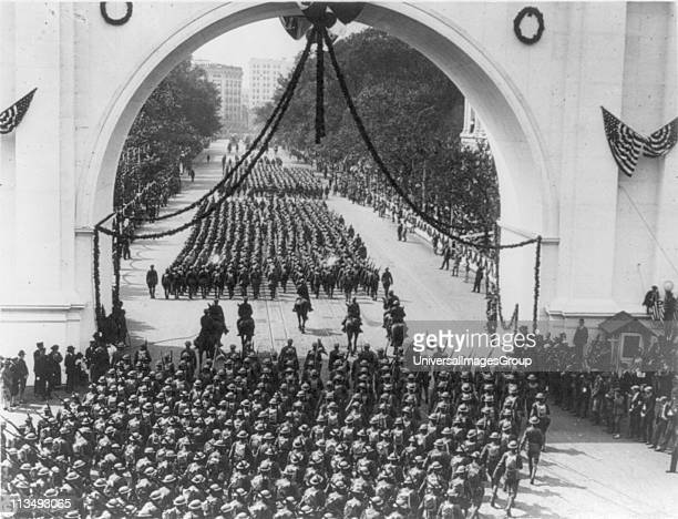 World War I 19141918 Victory parade of American soldiers returning from the war marching through Minneapolis USA 1919