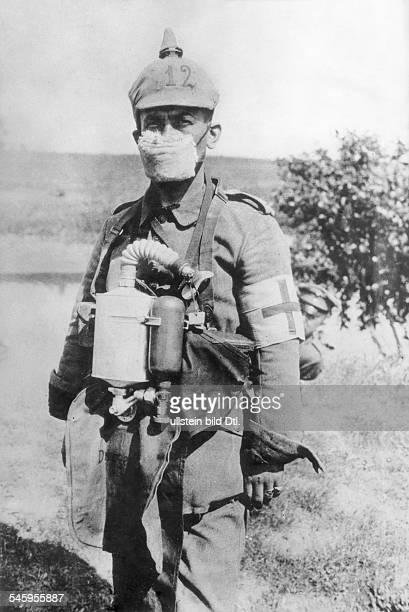 World War I A German medic in the first World War after the beginning of the use of poison gas in the battle of Ypres spring 1915