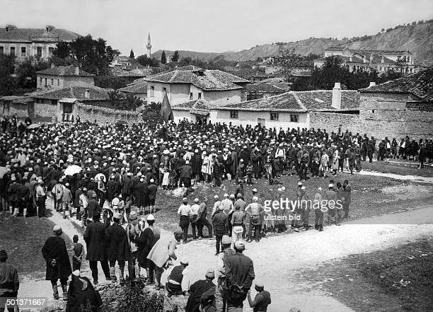 residents of a town in South Albania gather to protest against the advance of the Greeks and decide to form gangs undated probably in 1915/1916