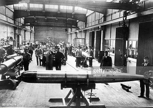 World War I armaments industry in Germany torpedo workshop of the German navy 1916