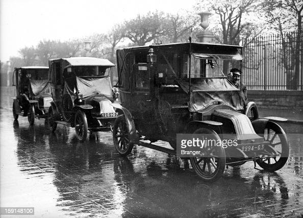 world war i battle of the marne taxis de la marne in paris in 1916 news photo getty images. Black Bedroom Furniture Sets. Home Design Ideas