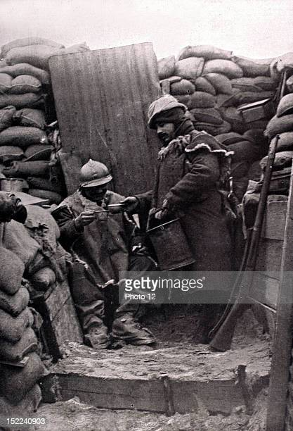 World War I Distribution of coffee in a trench on the front
