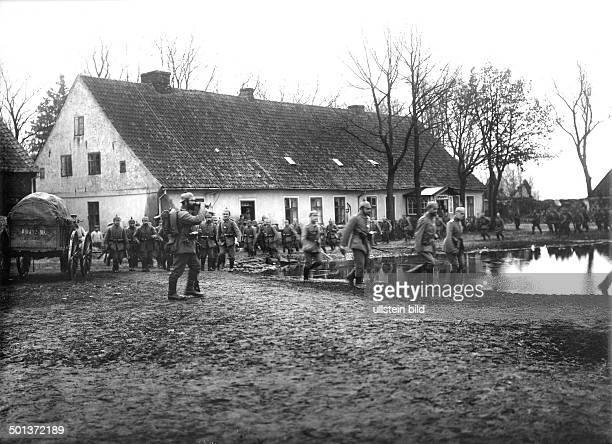 German troups near Darkehmen after the First Battle of the Masurian Lakes Photo Kuehlewindt November / December 1914